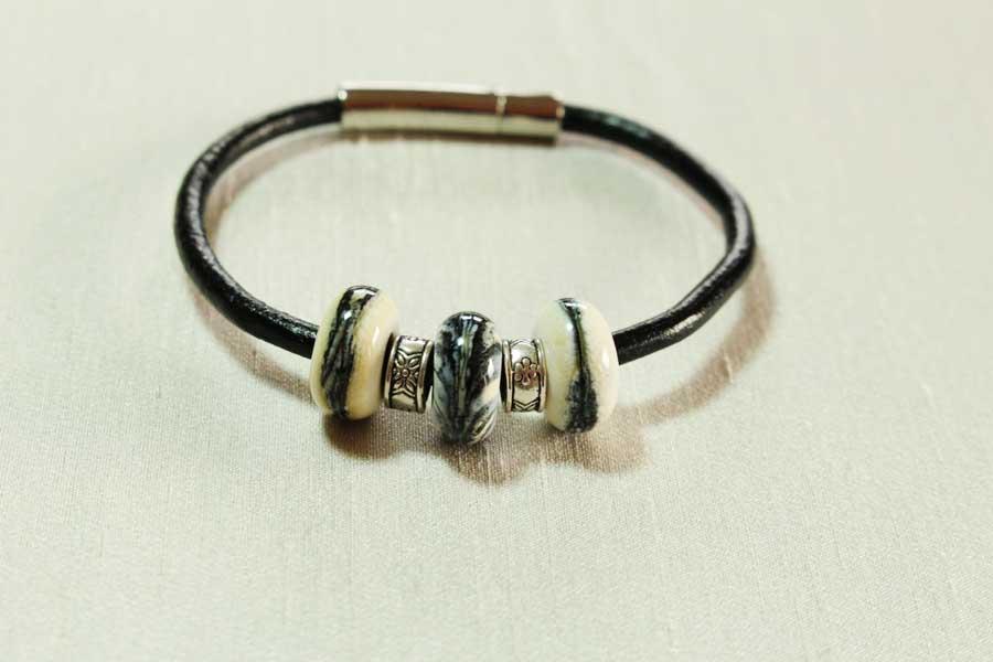 bracelet-3-perles-beige